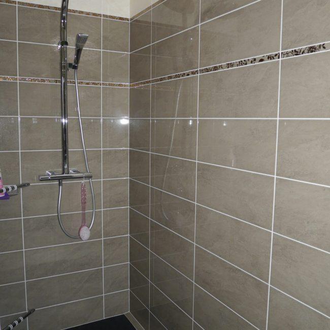 paarse kamer badkamer inloopdouche 004